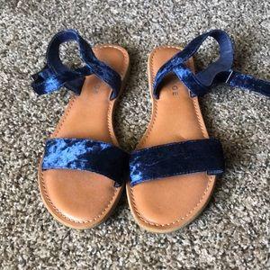 Blue velvet sandal